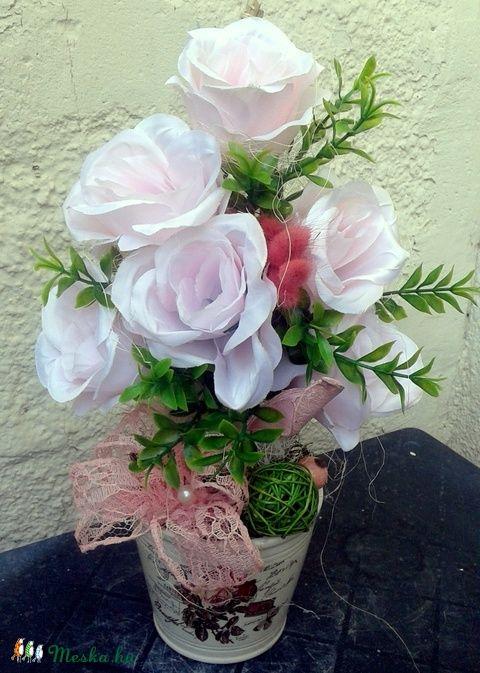Halványlila rózsák kaspóban (pinkrose) - Meska.hu