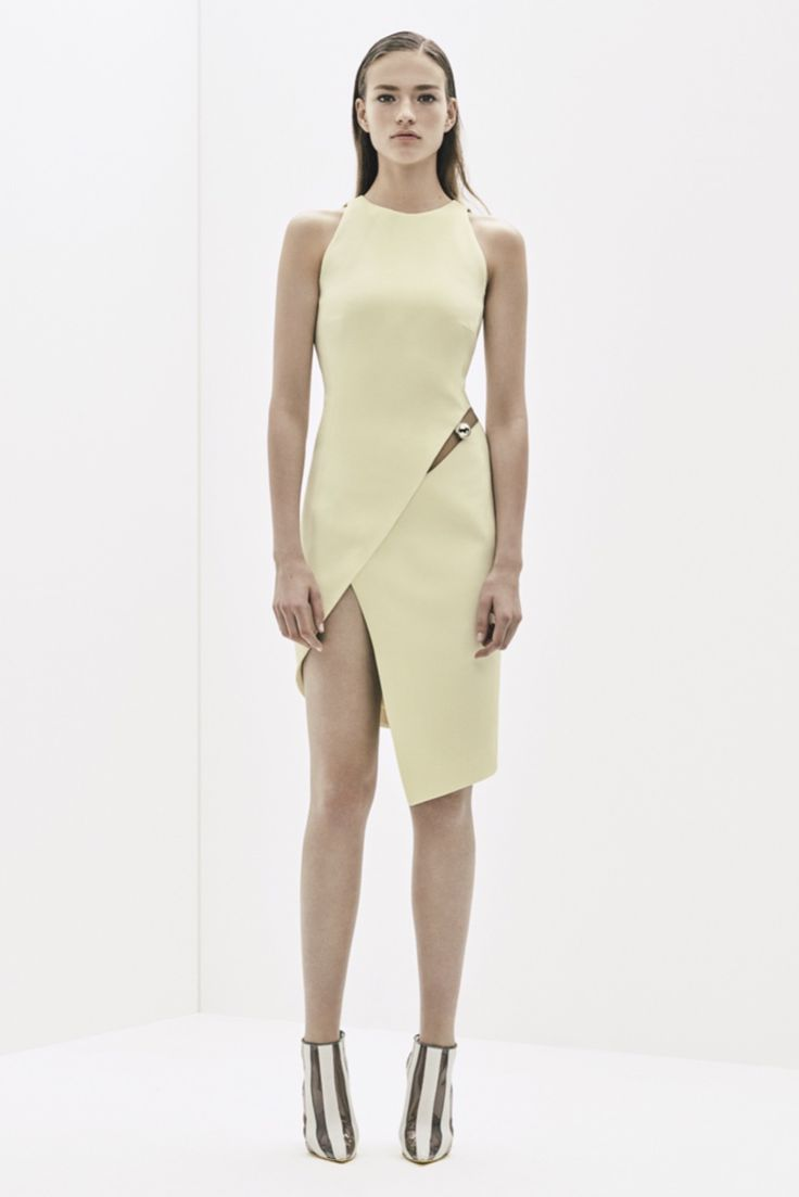 http://www.style.com/slideshows/fashion-shows/resort-2016/mugler/collection/13
