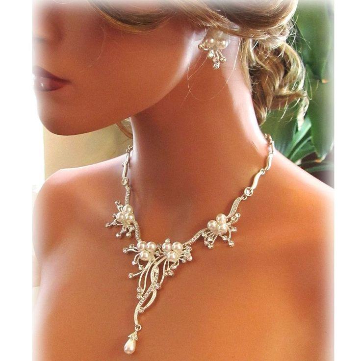 Best Seller Glamour Brautschmuck Schmuckset Kette Ohrringe versilbert mit Perlen Weiß und Kristallsteinen Kristall klar