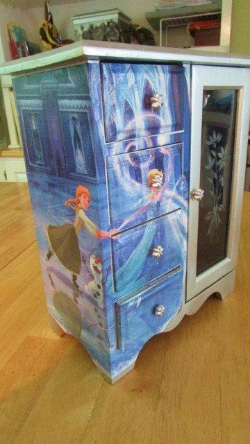 disney frozen bedroom in a box. special order for wendy, queen elsa, and princess anna from disney frozen, decoupage onto upcycled jewelry box, one of a kind treasure frozen bedroom in box o