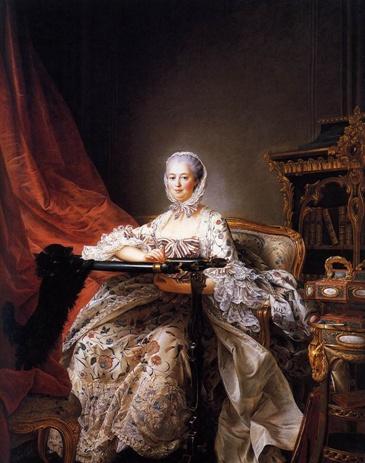 DROUAIS.Madame de Pompadour  1763-64  로코코의 여성적 취향은 여성복식에 한층 더 섬세한 곡선과 꽃, 리본, 깃털, 레이스 등의 장식을 첨가한다. 여성의상은 깊이 파인 목둘레선으로 가슴이 많이 노출되고, 소매나 팔꿈치부터 층층이 풍성한 주름레이스를 붙이며, 허리는 코르셋으로 조여 갸날픈 여성의 미를 드러내면서, 힙은 빠니에로 부풀려 리본이나 레이스 등으로 장식하는 것이 특징이다. 또한, 18세기 여자 복식의 기본은 로브,슈미즈,외투 등으로 이루어졌는데, 로브는 로코코 시대의 대표적인 여자의상이다. 전형적인 모습은 가슴을 깊게 판 네크라인과 크게 부풀린 스커트이고, 소매끝에 다는 3~4겹의 층을 이루는 레이스 러플인 앙가장뜨가 가장 큰 특징이다.