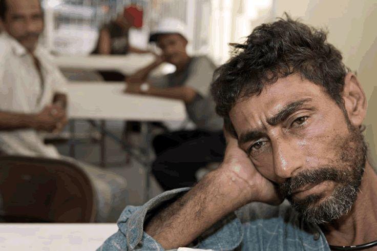 La drogadicción o los drogadictos no nos llaman la atención. Sólo nos fascina las noticias de narcos, las novelas de narcos. ¿Será que ya perdimos la batalla? http://www.oyemagazine.org/es/articulos/article-type/09/06/2011/poner-el-foco-sobre-los-que-m%C3%A1s-lo-necesitan