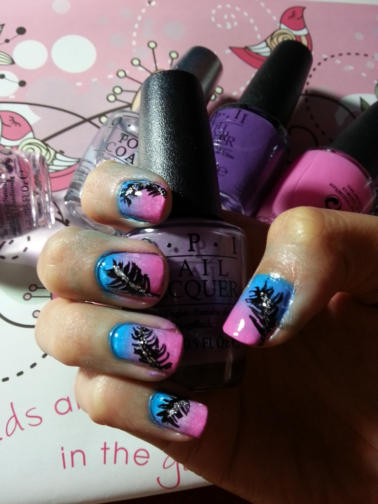 Ombre feather nails
