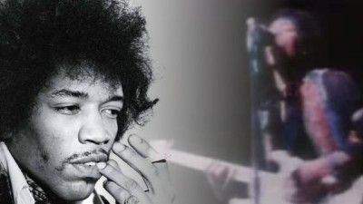 "AMAZING Jimi Hendrix Plays ""Johnny B. Goode"""