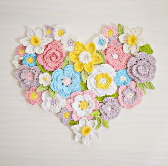 CROCHET PATTERN flower heart wall decor, wreath, 7 ornaments,spring, Valentine's, Easter, wedding, home decor, DIY photo tutorial