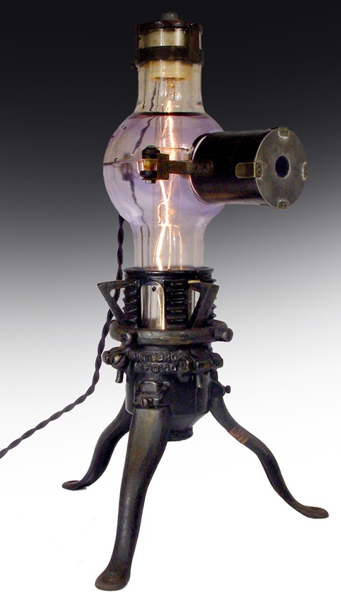 X-Ray Tube Table Lamp... Steampunk Style!