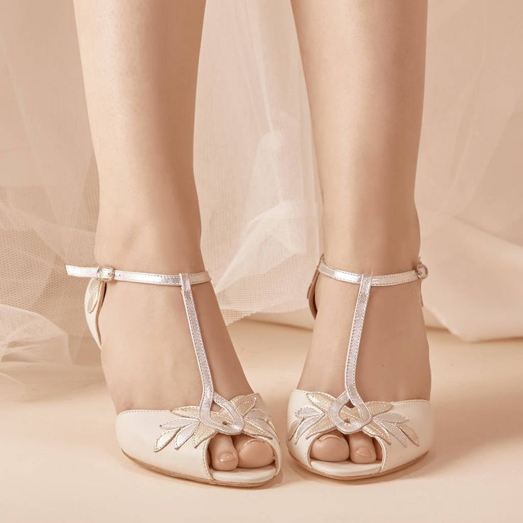 No Heel Wedding Shoes: Best 25+ Low Heel Wedding Shoes Ideas On Pinterest