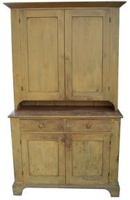 O 83 Pennsylvania Stepback Cupboard A great two piece Stepback with a dovetailed case