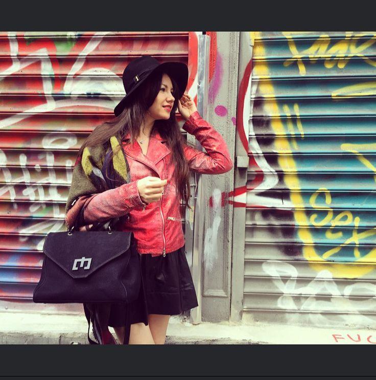 Street-style in Manhattan Zenati bag