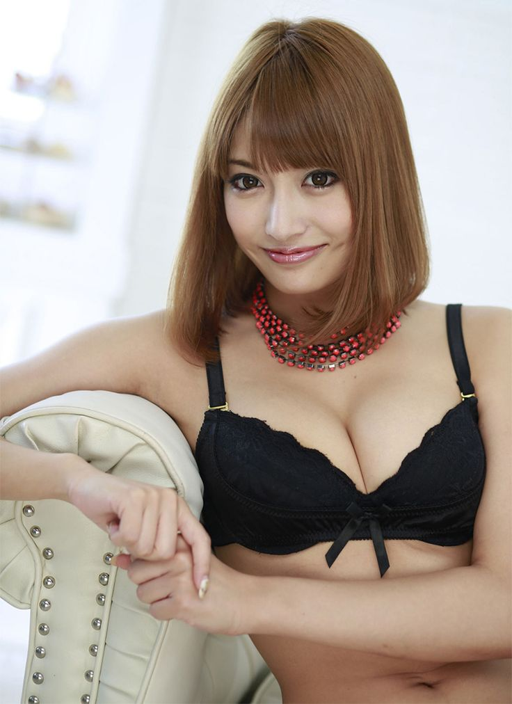 image Cute chinese girl show her hot body 06
