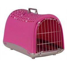 Vervoer jouw kat of kleine hond gemakkelijk met deze stevige transportbox Linus van Imac! De box is gemaakt van kunststof en heeft een stalen traliedeur. Het deurtje kan ook in zijn geheel verwijderd worden. Aan de bovenkant en de achterkant zitten extra ventilatiegaten voor je dier. De reismand is eenvoudig te tillen en te verplaatsen door het stevige handvat aan de bovenzijde. De mand beschikt over vier pootjes waardoor de box beter blijft staan.