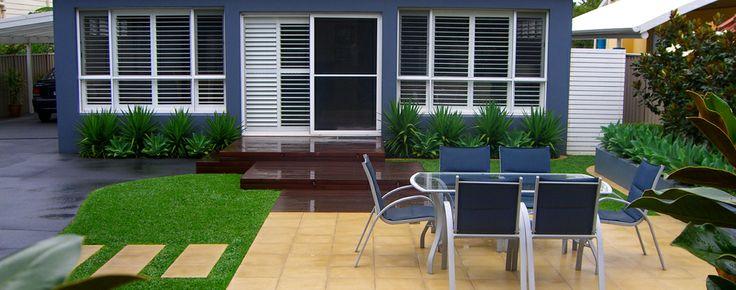 Modern outdoor sitting area by Sydney landscape designers