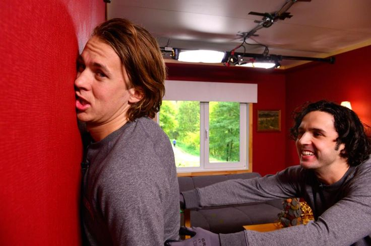 no idea what's going on here, but yes.  so much yes.  also +5 for Vegard's expression.  and hell, Bård's as well.