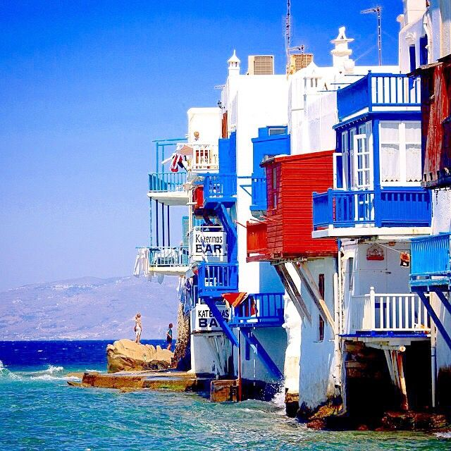 A place called little Venice , in Mykonos island (Μύκονος) . Really wonderful ☀️! Amazing picture