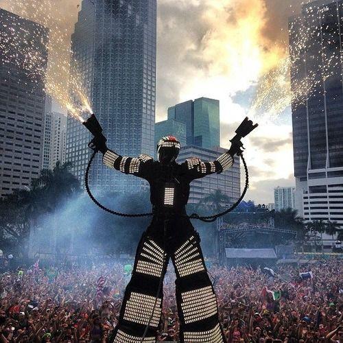 Ultra Music Festival in Miami #cjbapparel #festivalfriday