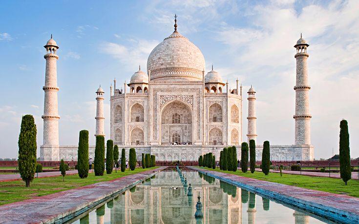 Mumtaz Mahal tinha um pedido a fazer quando suamorte chegasse: que fosse construída uma tumba tão grande quanto àquelas construídas para a família real. Conta-se que o rei Shah Jahan ficou desolado com a partida de sua esposa preferida (ele tinha sete) e muitíssimo amada, que morreu ao dar a luz ao 14º do casal. …