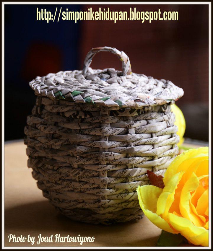 Materi kursus pelatihan kerajinan tangan kreasi daur ulang kertas koran by Mas Res on 500px  http://simponikehidupan.blogspot.com