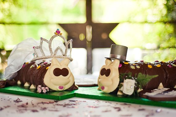 Colin the Caterpillar wedding cakes... How cutes are these?! I'm thinking the London wedding... shotgun the face!
