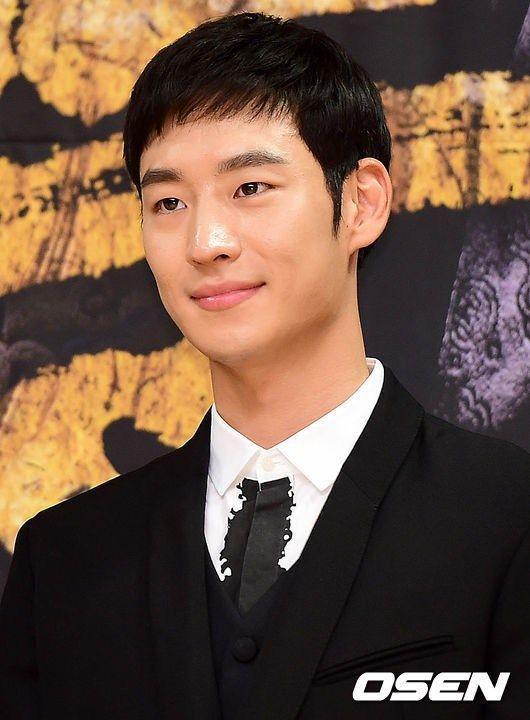 Lee Je Hoon Signal | Lee Je Hoon Joins 'Signal'