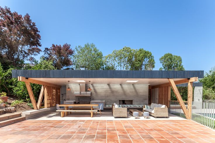 Image 1 of 19 from gallery of 18 Beautiful Barbecue Areas for Summer. Pabellón de Playa / PAR Arquitectos © Diego Elgueta