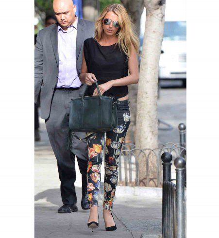Style de Blake Lively : le pantalon fleuri