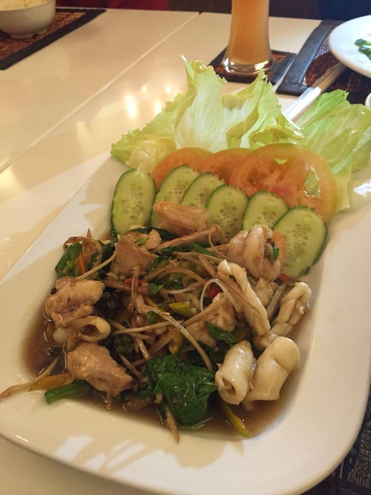 Qatar finest...Jasmine Thai Restaurant, Doha Qatar, seafood peppercorn...delicious.