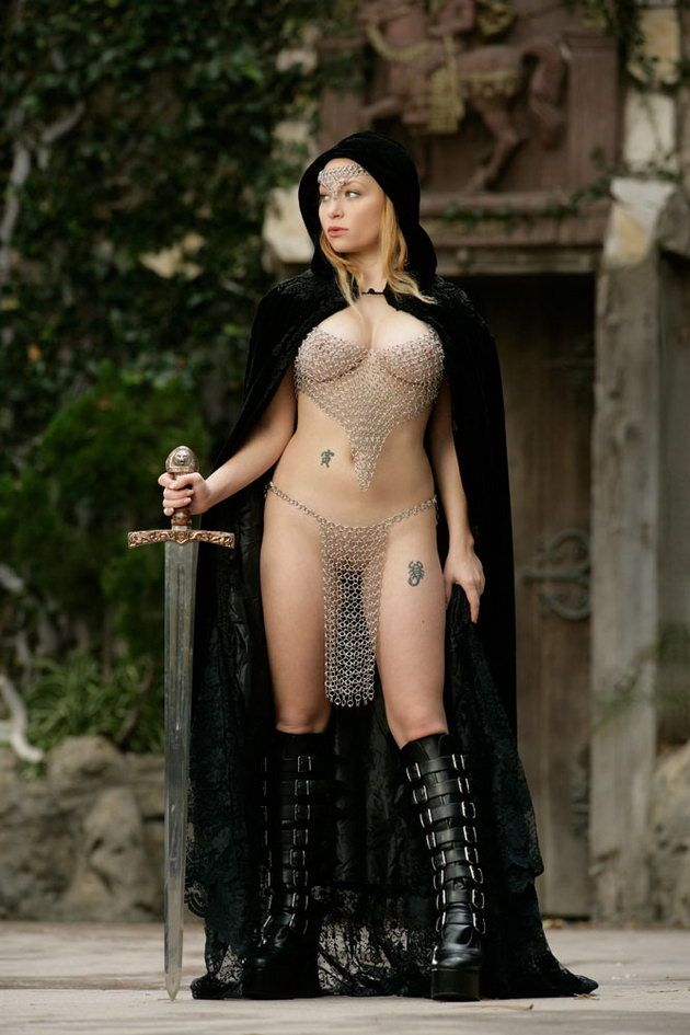 Hot naked middle ages woman — pic 9