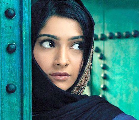 Sonam looks so beautiful in this movie #Saawariya