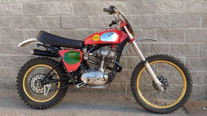 Ducati -  Moto cross spéciale 350cc suspension monoshock, moto hors route - 1972