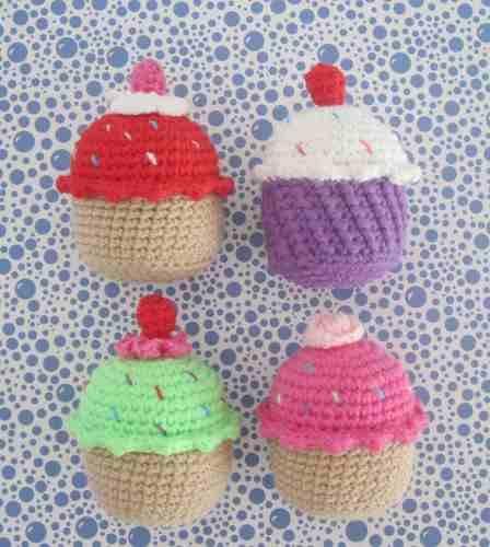 cupcakes tejidos a crochet - ideales para souvenir o jugar!