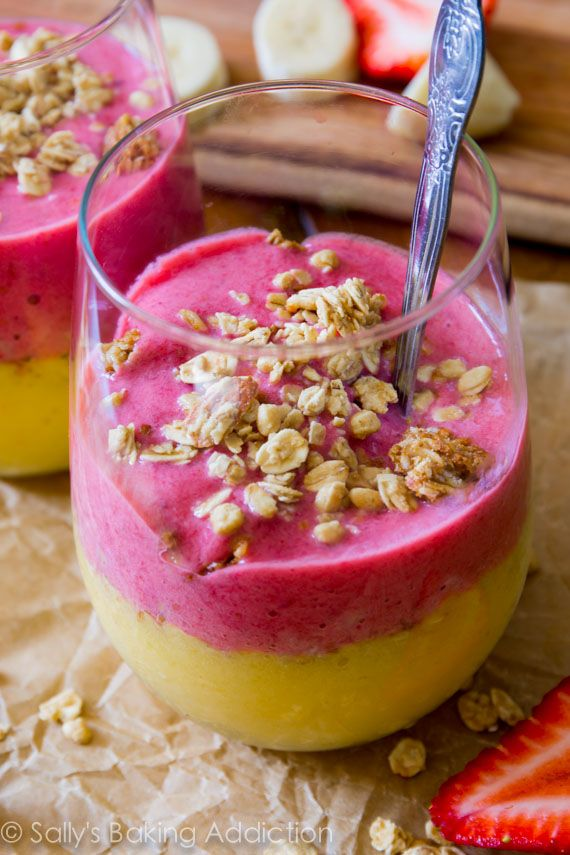 Strawberry Mango Breakfast Smoothies - juicy strawberries, mangos, bananas, and your favorite granola come together in this healthy smoothie. @Sally [Sally's Baking Addiction]