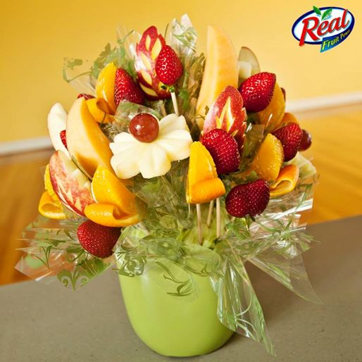 Beautiful Flower Bouquet Made With Fruits How Many Likes For This Amazing Creativity