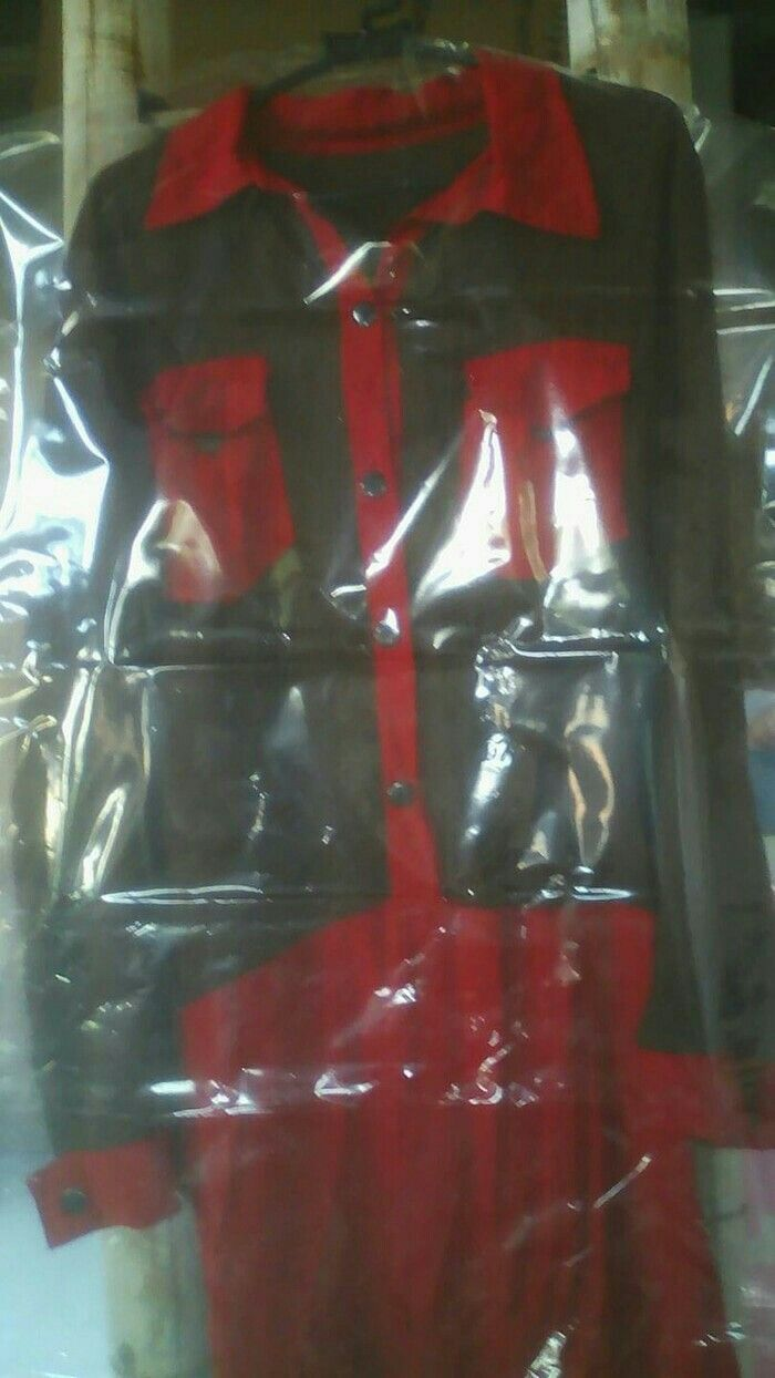 #plastik gantung laundry untuk baju sekujur tubuh(gamis,jubah dll) Ukuran 136 x 60 cm Hrg 7500/biji Sms/wa 085642917567  nb:kita juga jual ukuran setengah badan y.cek dietalase kami