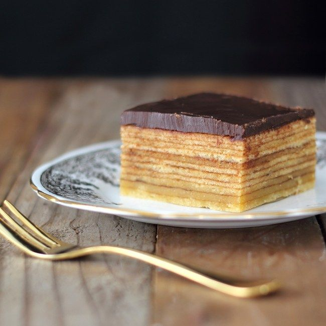 "The January 2014 Daring Bakers' challenge was hosted by Francijn of ""Koken in de Brouwerij"". She challenged us all to bake layered cakes in the tradition of Baumkuchen (Tree Cake)…"