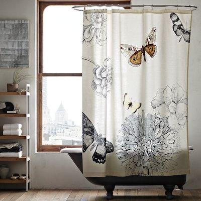 Salle de bain vieille maison - rideau de douche papillon