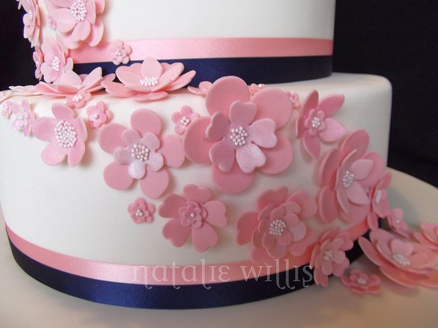 pink and navy wedding cake by sweettart cakes natalie via flickr