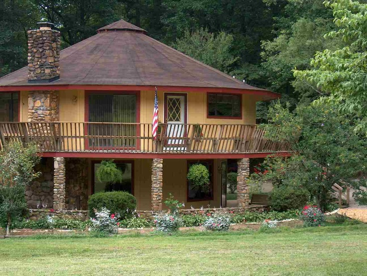123 best round houses images on pinterest round house for Circle house plans