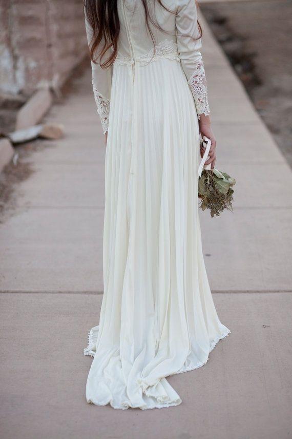 ivory pleated empire waist lace sleeve 70s boho por BirdyJames, $625,00