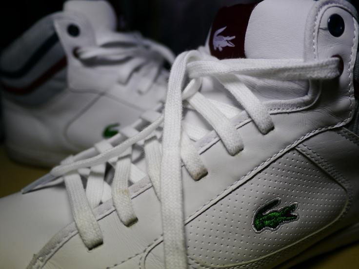 ラコステの白スニーカー