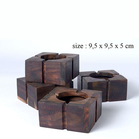 Asbak | Size: 9,5 x 9,5 x 5 cm