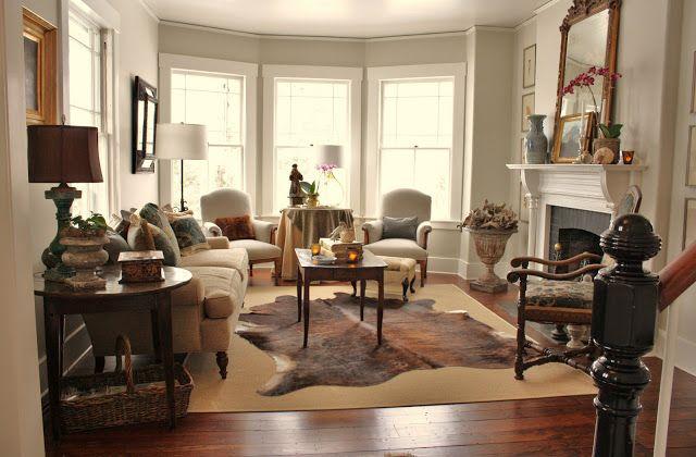 The Living Room Paint Color Is Benjamin Moore 39 S Ashwood Oc 47 In Eggshell The Trim Is Benjamin