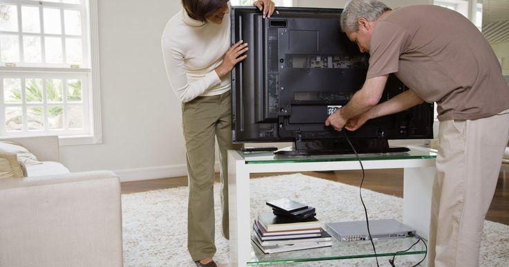 Como retirar o suporte da TV de 40 polegadas Sony Bravia. As TVs de tela plana de plasma, LCD ou LED, mesmo nos modelos maiores, são bem mais leves e fáceis de manejar que suas versões de projeção traseira. Eles podem ser colocados em suportes ou montados numa parede. É fácil retirá-las dos suportes de parede, se você quiser mudar o local onde a TV irá ficar. Porém, mesmo com o pouco peso do aparelho ao ...