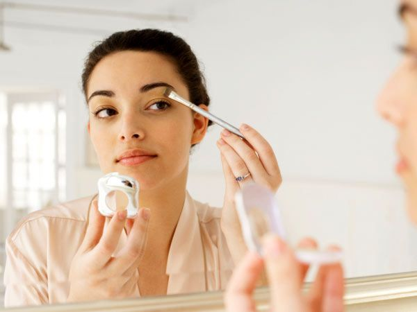 If you've just started using make-up and are still experimenting with colours and the different kinds of cosmetics available in the market, it's important to understand how you can use these products to enhance your best features, not disguise them. There are many make-up mistakes beginners make — we list a few no-nos!