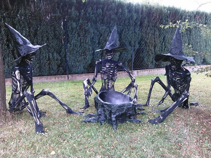 corpsed witches Halloween - You could take black stockings and pull other thin black stretchy cloth over skeletons to achieve this effect.