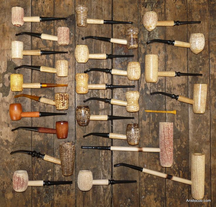 Various corn cob pipes