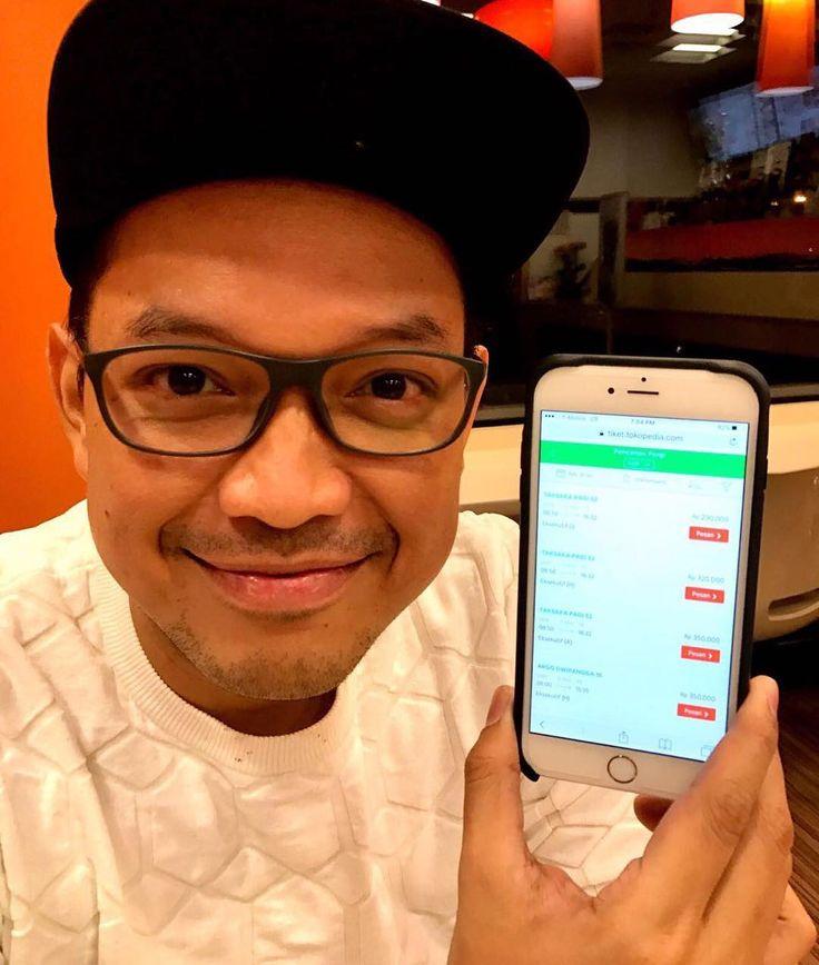 Udah lamaaaaa banget ga naik kereta dari Jakarta ke Jogja. Eh pas banget di @Tokopedia lagi ada penawaran kalo beli tiket kereta di Tokopedia dari tanggal 27-31 Januari 2017 dari jam 11-12 siang, dan masukkin juga kode voucher BANYAKHOKI, kita bisa dapetin handphone baru dan juga voucher gift card lho, goksss kan. Ehh malah masih baca tulisan gue, udah cepetan beli tiket kereta di Tokopedia sekarang juga :))