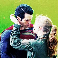 Henry Cavill / Amy Adams kiss for the first time in Man of  Steel
