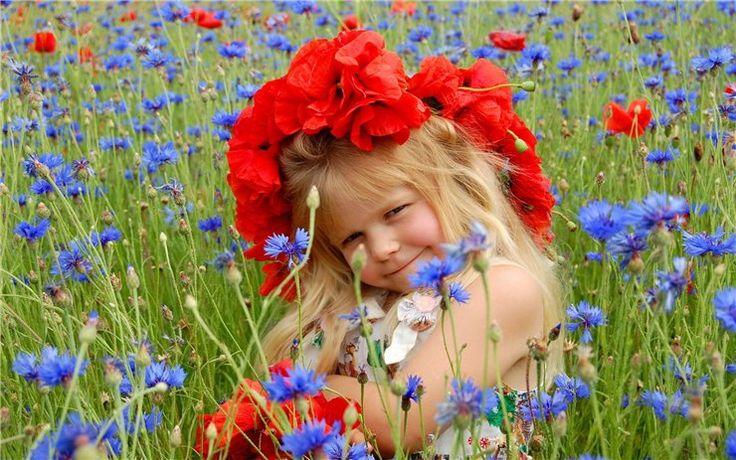 Обои дети, девочки, девочка, луг, цветы, венок, васильки, ма…