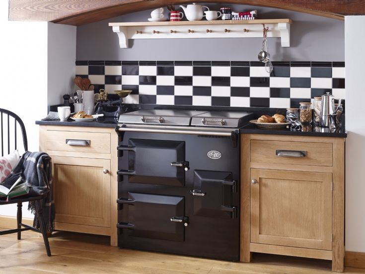 The Everhot 90i available from  Kernow Fires.   #everhot #cooker #range #oven #kitchen #grill #castiron #classic #contemporary #hob #kernowfires #wadebridge #redruth #cornwall