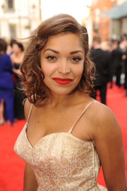 Antonia Thomas Bra Size, Age, Weight, Height, Measurements - http://www.celebritysizes.com/antonia-thomas-bra-size-age-weight-height-measurements/